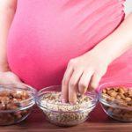 Орехи для беременных: польза или вред